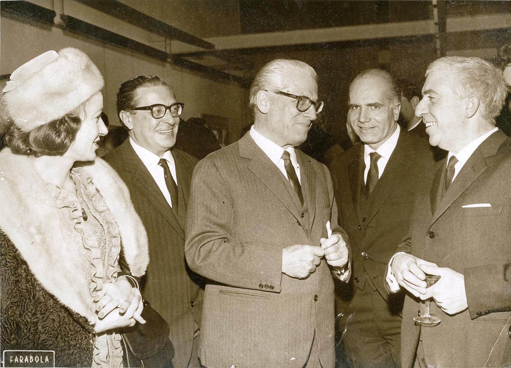 1964 - Carlo Ludovico Ragghianti il Presidente Gronchi Luigi Comencini e Tavernari - Premio S. Fedele Milano